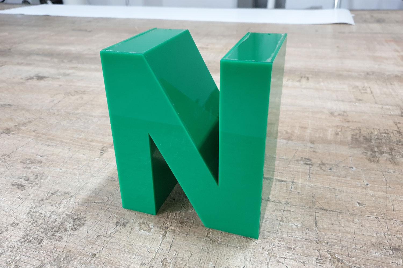 Litery 3D przestrzenne z tworzywa